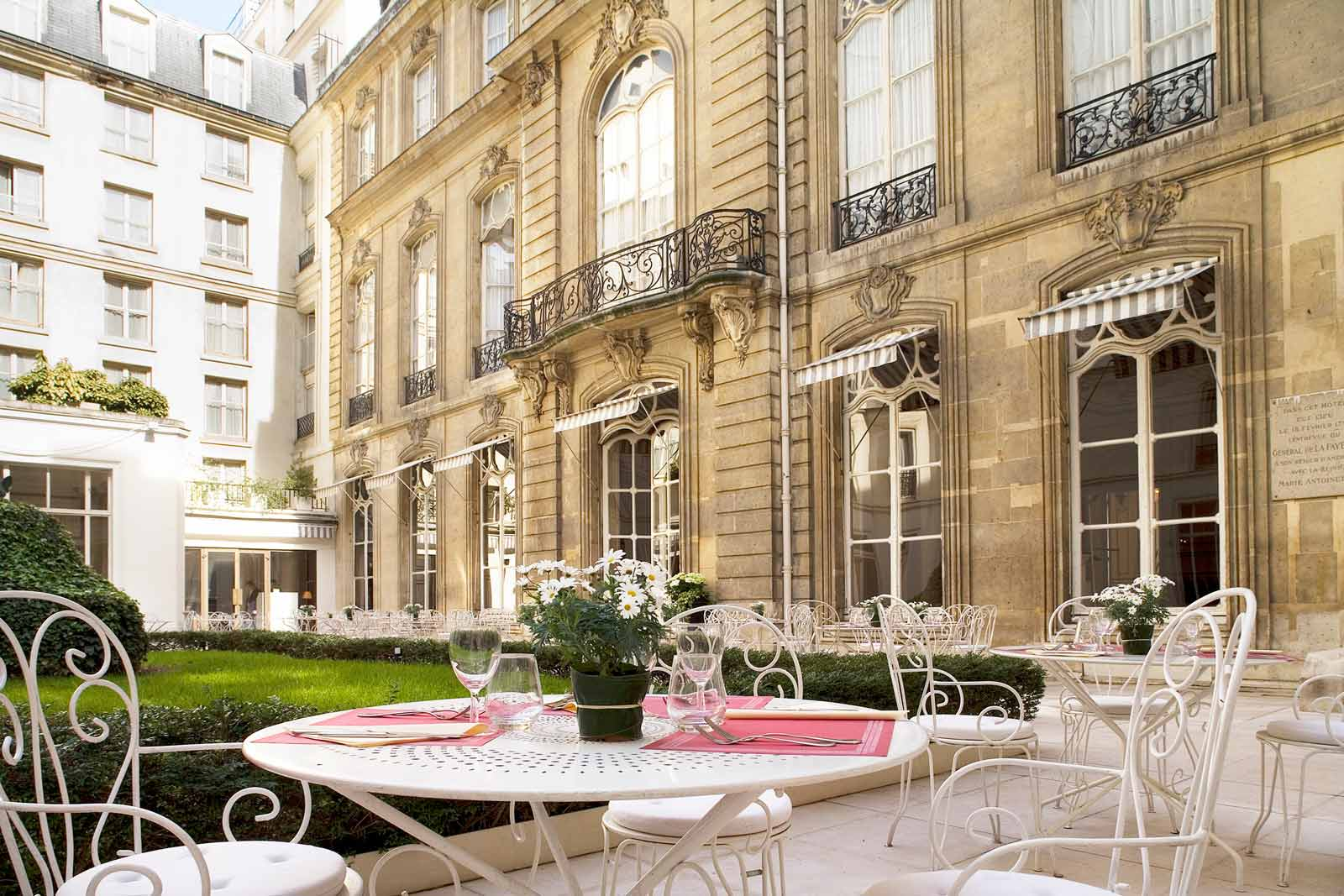 Hotel saint james albany luxury hotels in paris by for Rivoli jardin helsinki